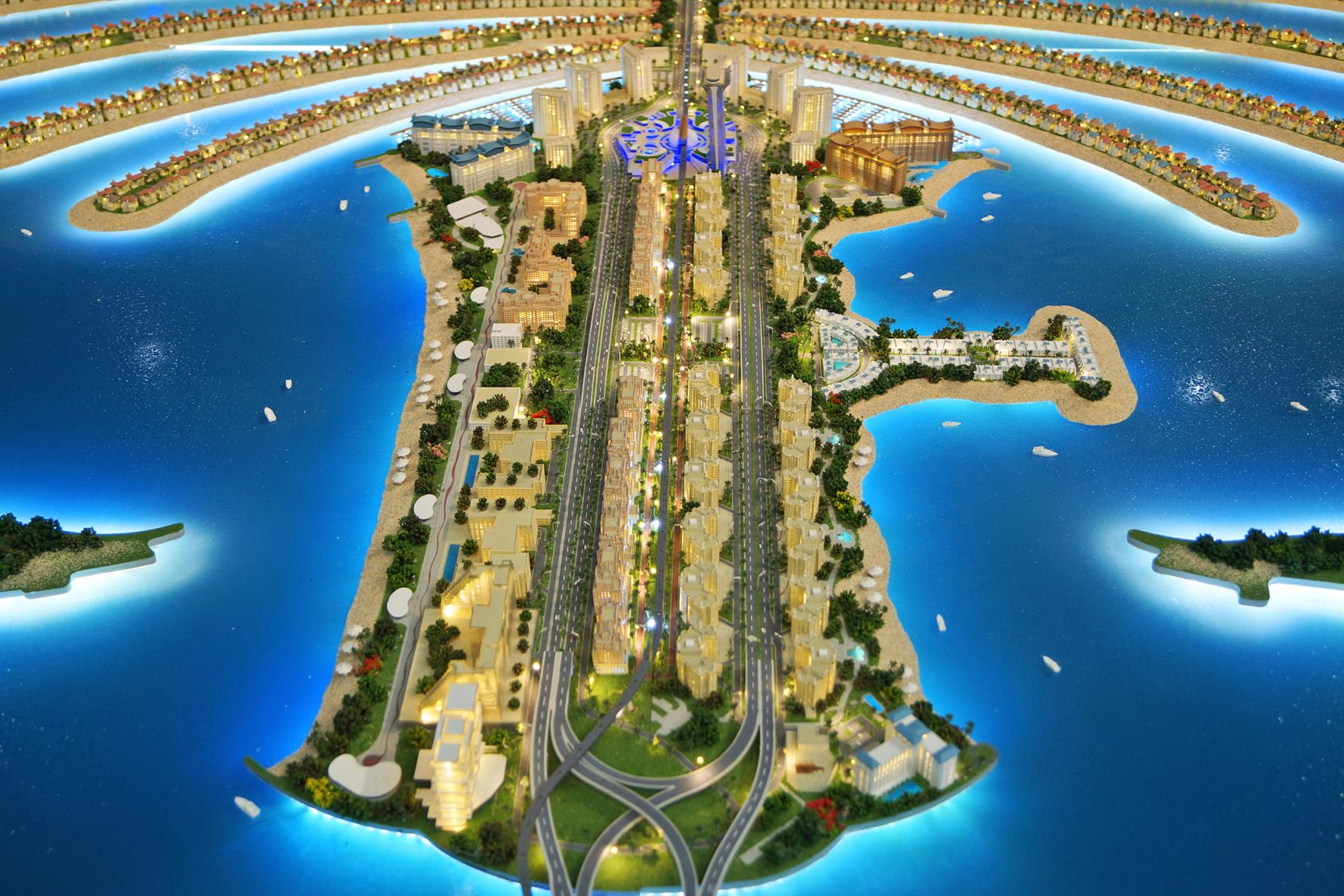 Palm Jumeirah trunk, Dubai, developer's masterplan model