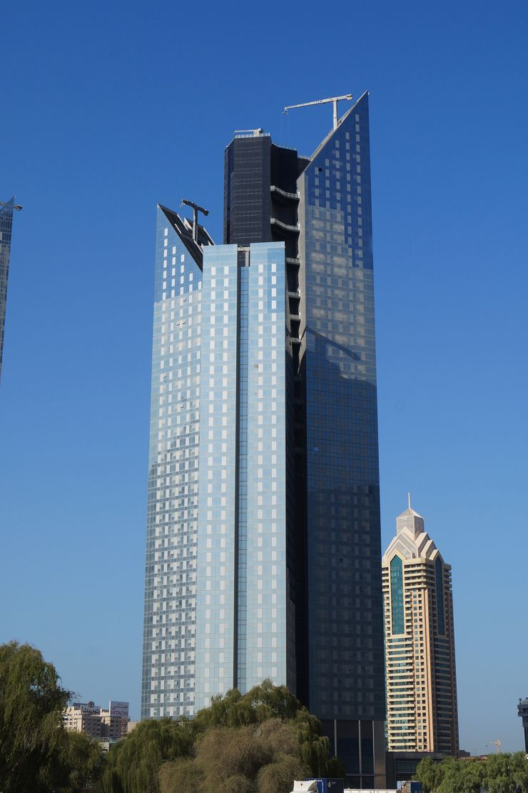 Central park office tower guide propsearch dubai for Silver towers leasing office